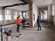 Z bývalé Masarykovy školy je obrovské staveniště